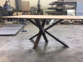 Table à manger tubes acier, bois