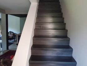Rénovation escalier béton avec habillage acier